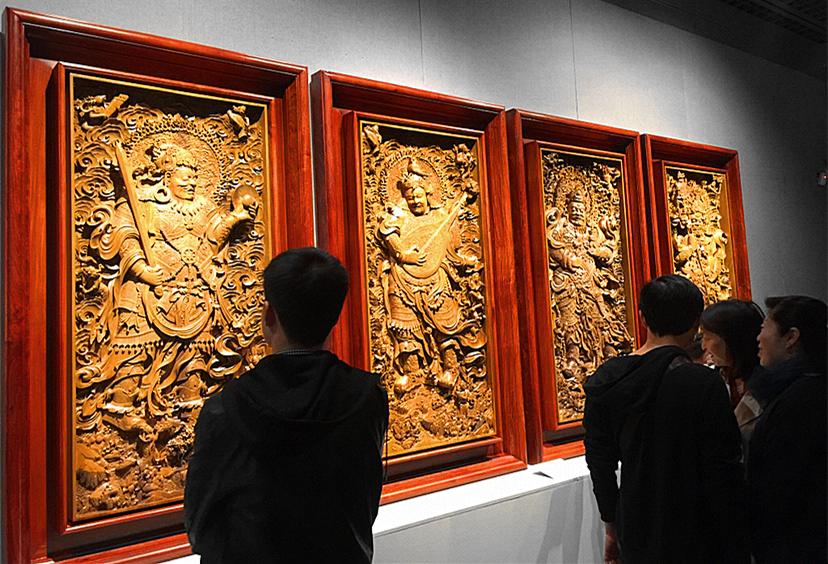 【杭+新闻】艺术人生 || 木雕大师黄小明:运用之妙 存乎一心