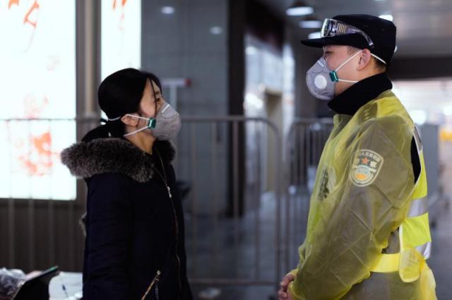 张文宏:新冠肺炎疫情存在全球二次爆发的可能